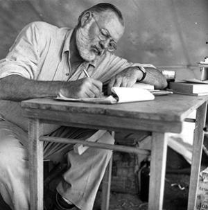 Hemingway2_300x303